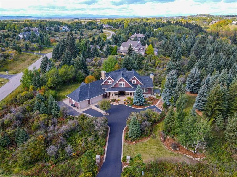 FEATURED LISTING: 24 Wolfwillow Point Rural Rocky View County