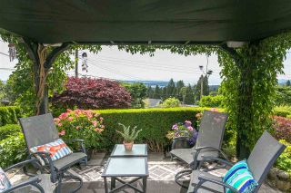 Photo 2: 350 TEMPE Crescent in North Vancouver: Upper Lonsdale House for sale : MLS®# R2408688