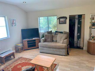 Photo 8: 5701 WHARF Avenue in Sechelt: Sechelt District House for sale (Sunshine Coast)  : MLS®# R2584646