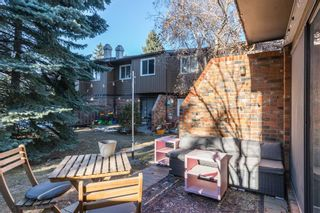 Photo 1: 49 287 Southampton Drive SW in Calgary: Southwood Row/Townhouse for sale : MLS®# A1059681