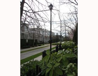"""Photo 9: 6791 VILLAGE Grove in Burnaby: VBSHG Townhouse for sale in """"MONTEREY"""" (Burnaby South)  : MLS®# V702457"""