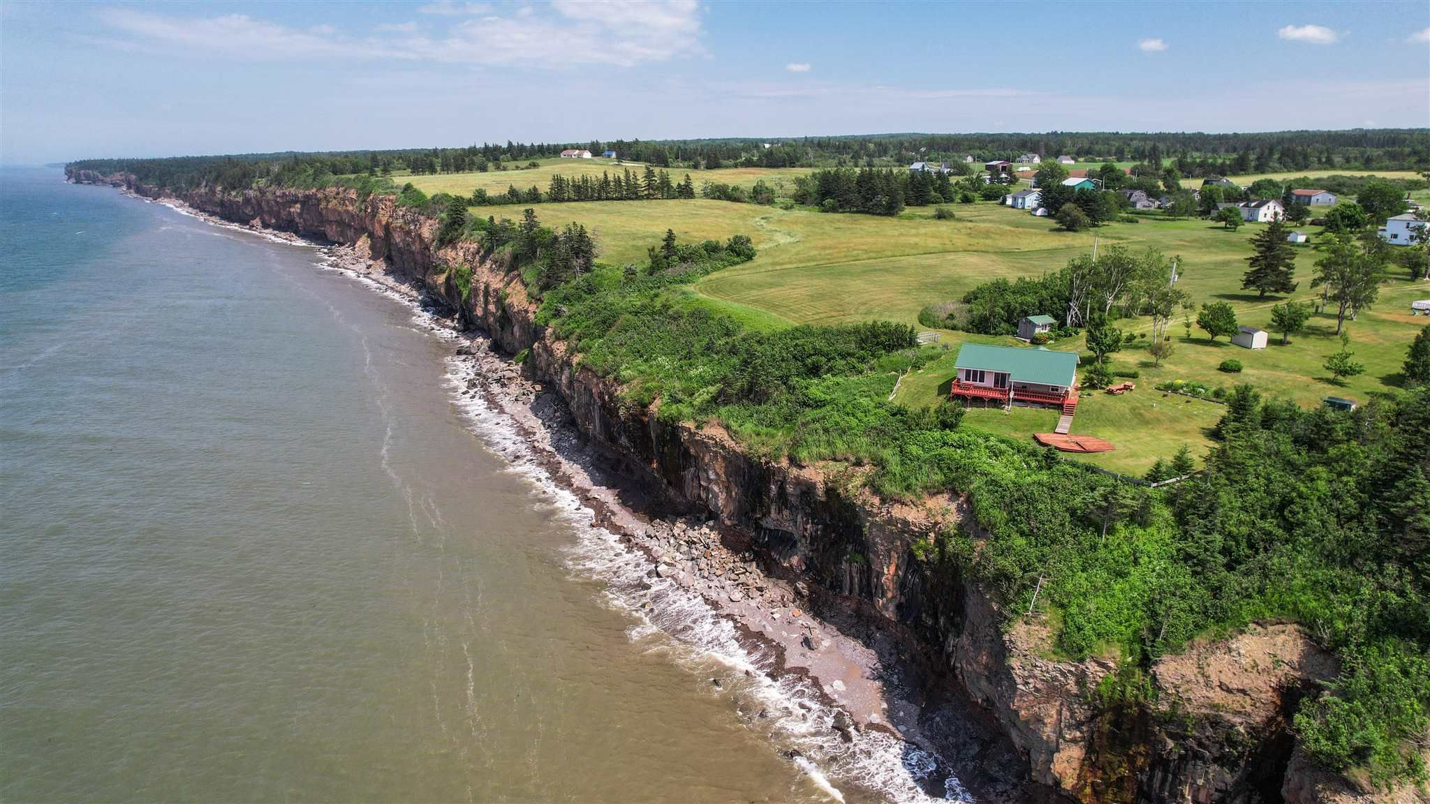 Main Photo: 255 SEAMAN Street in East Margaretsville: 400-Annapolis County Residential for sale (Annapolis Valley)  : MLS®# 202116958