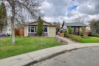 Photo 2: 80 Erin Grove Close SE in Calgary: Erin Woods Detached for sale : MLS®# A1107308