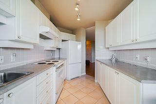 """Photo 9: 1704 6188 PATTERSON Avenue in Burnaby: Metrotown Condo for sale in """"THE WIMBLEDON CLUB"""" (Burnaby South)  : MLS®# R2341545"""