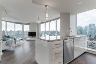 Photo 8: 1906 918 Cooperage Way in Vancouver: Yaletown Condo for sale (Vancouver West)  : MLS®# R2539627