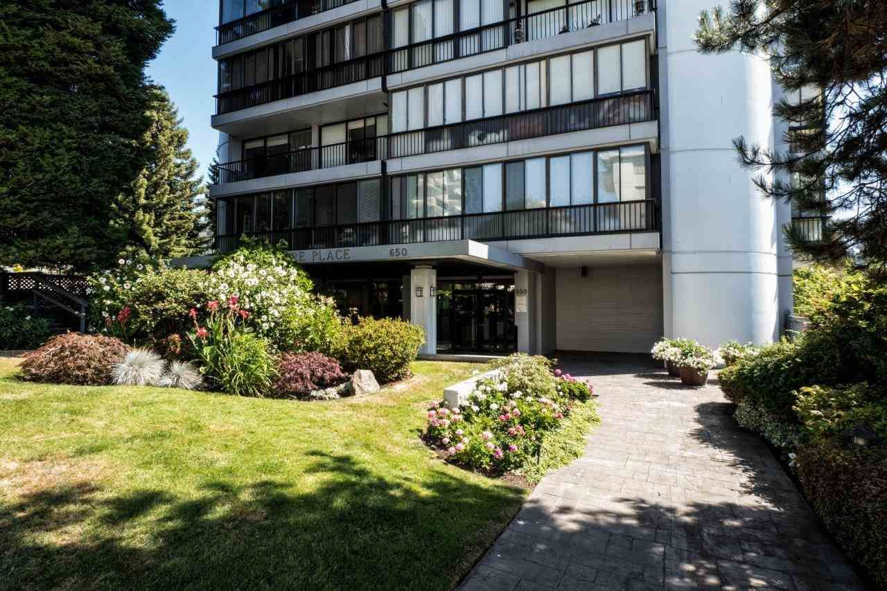 """Photo 1: Photos: 1203 650 16TH Street in West Vancouver: Ambleside Condo for sale in """"Westshore Place"""" : MLS®# R2147302"""
