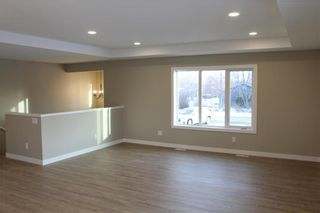 Photo 10: 502 First Avenue North in Landmark: R05 Residential for sale : MLS®# 202104609