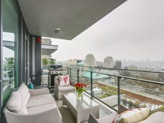 """Photo 18: 910 2888 CAMBIE Street in Vancouver: Fairview VW Condo for sale in """"The Spot"""" (Vancouver West)  : MLS®# R2343734"""