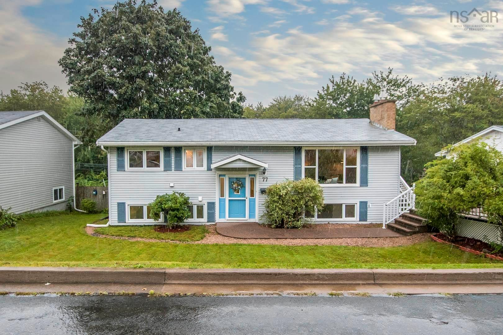 Main Photo: 77 Dickey Drive in Lower Sackville: 25-Sackville Residential for sale (Halifax-Dartmouth)  : MLS®# 202123527