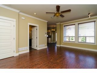 Photo 6: 6882 192A Street in Surrey: Clayton House for sale (Cloverdale)  : MLS®# F1412935