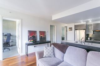 """Photo 5: 307 988 RICHARDS Street in Vancouver: Yaletown Condo for sale in """"TRIBECA"""" (Vancouver West)  : MLS®# R2202048"""