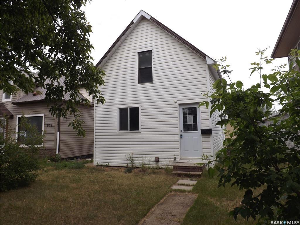 Main Photo: 907 4th Street in Estevan: Central EV Residential for sale : MLS®# SK830451