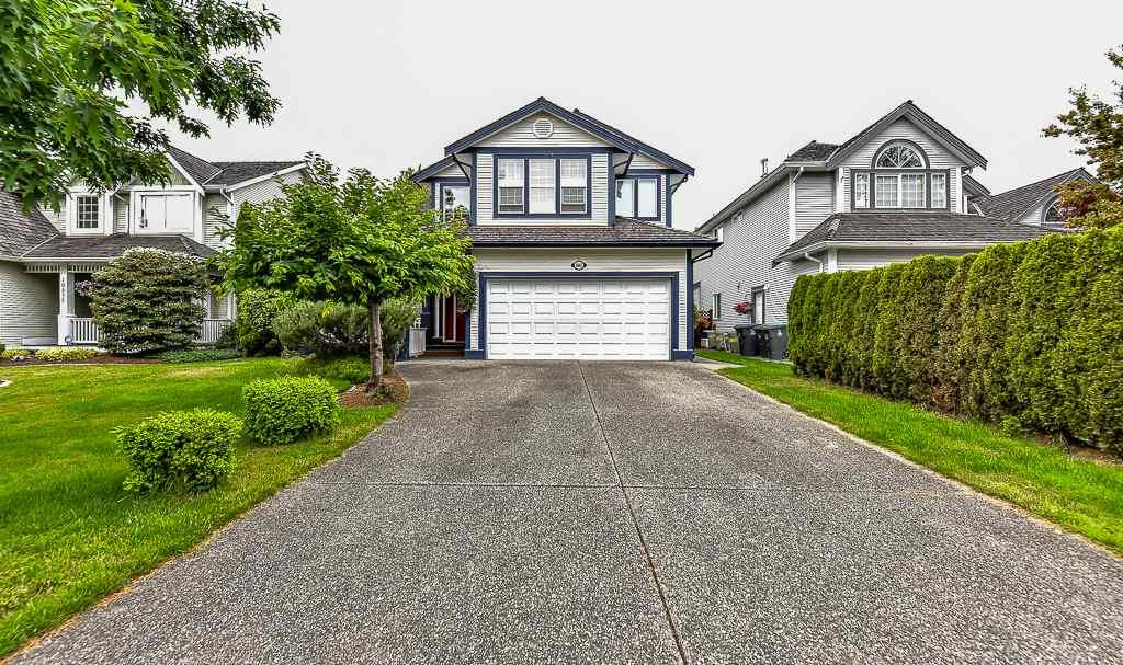 Main Photo: 16863 61 AVENUE in : Cloverdale BC House for sale : MLS®# R2074703