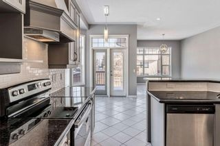 Photo 7: 602 SIERRA MADRE Court SW in Calgary: Signal Hill Detached for sale : MLS®# C4226468