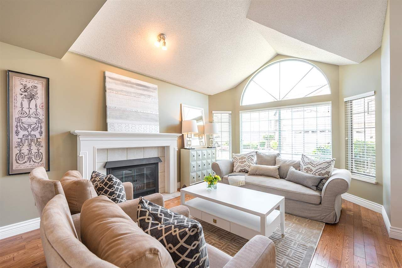 """Main Photo: 429A BROMLEY Street in Coquitlam: Coquitlam East Townhouse for sale in """"SOUTHVIEW ESTATES"""" : MLS®# R2164499"""