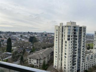 "Photo 8: 1708 3663 CROWLEY Drive in Vancouver: Collingwood VE Condo for sale in ""LATITUDE"" (Vancouver East)  : MLS®# R2535378"