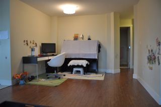 """Photo 3: 301 995 W 59TH Avenue in Vancouver: South Cambie Condo for sale in """"Churchill Gardens"""" (Vancouver West)  : MLS®# R2041932"""
