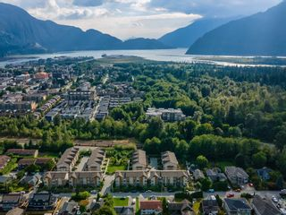 """Photo 2: 48 1188 WILSON Crescent in Squamish: Dentville Townhouse for sale in """"The Current"""" : MLS®# R2617887"""