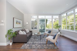 """Photo 4: 411 2628 YEW Street in Vancouver: Kitsilano Condo for sale in """"Connaught Place"""" (Vancouver West)  : MLS®# R2377344"""