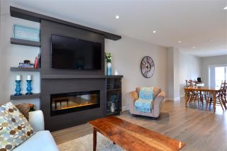 """Photo 3: 98 15677 28 Avenue in Surrey: Grandview Surrey Townhouse for sale in """"Hyde Park"""" (South Surrey White Rock)  : MLS®# R2268094"""