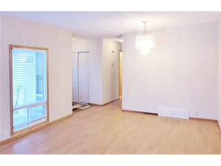 Photo 3: 1124 CANTERBURY Drive SW in Calgary: Canyon Meadows House for sale : MLS®# C4092925