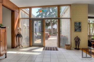 Photo 2: 1516 Mathers Bay in Winnipeg: River Heights South Single Family Detached for sale (1D)  : MLS®# 1826633