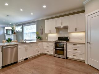Photo 2: 27 2000 Treelane Rd in CAMPBELL RIVER: CR Campbell River West Row/Townhouse for sale (Campbell River)  : MLS®# 812235