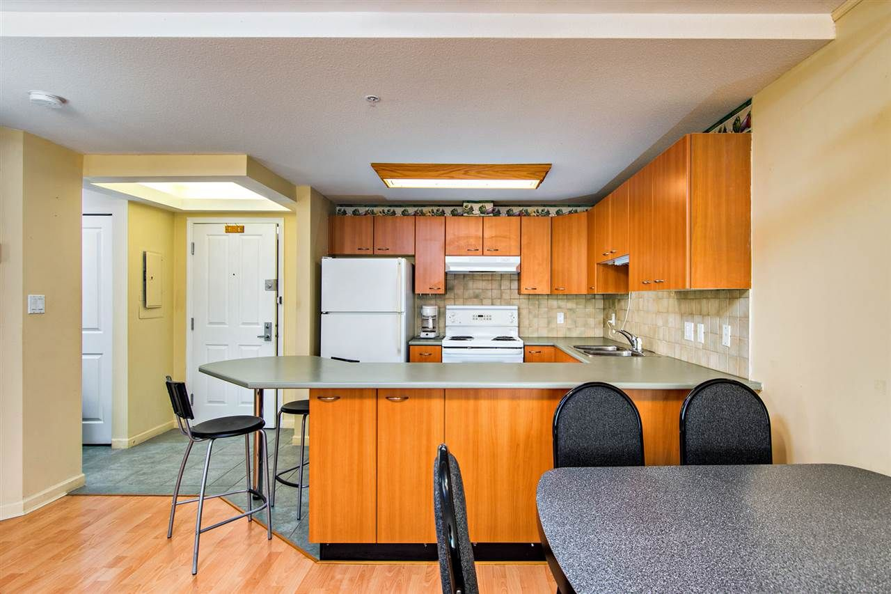 """Main Photo: A315 2099 LOUGHEED Highway in Port Coquitlam: Glenwood PQ Condo for sale in """"Shaughnessy Square"""" : MLS®# R2110782"""