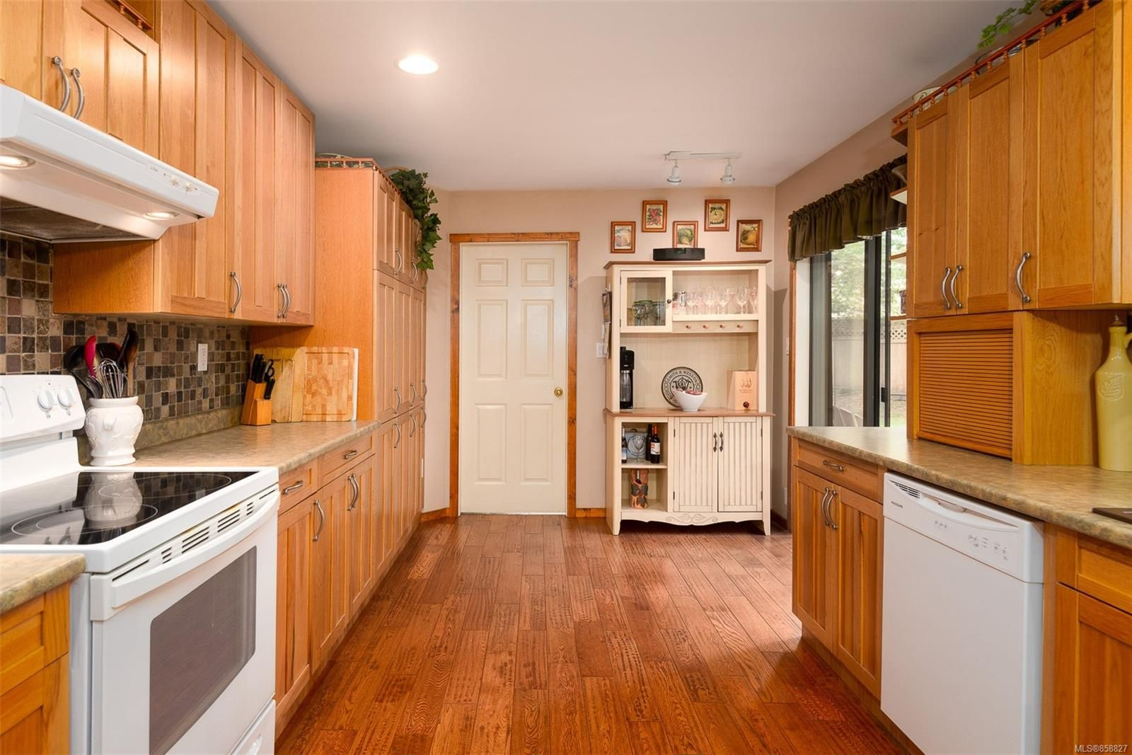 Photo 7: Photos: 1137 North End Rd in : GI Salt Spring House for sale (Gulf Islands)  : MLS®# 858827