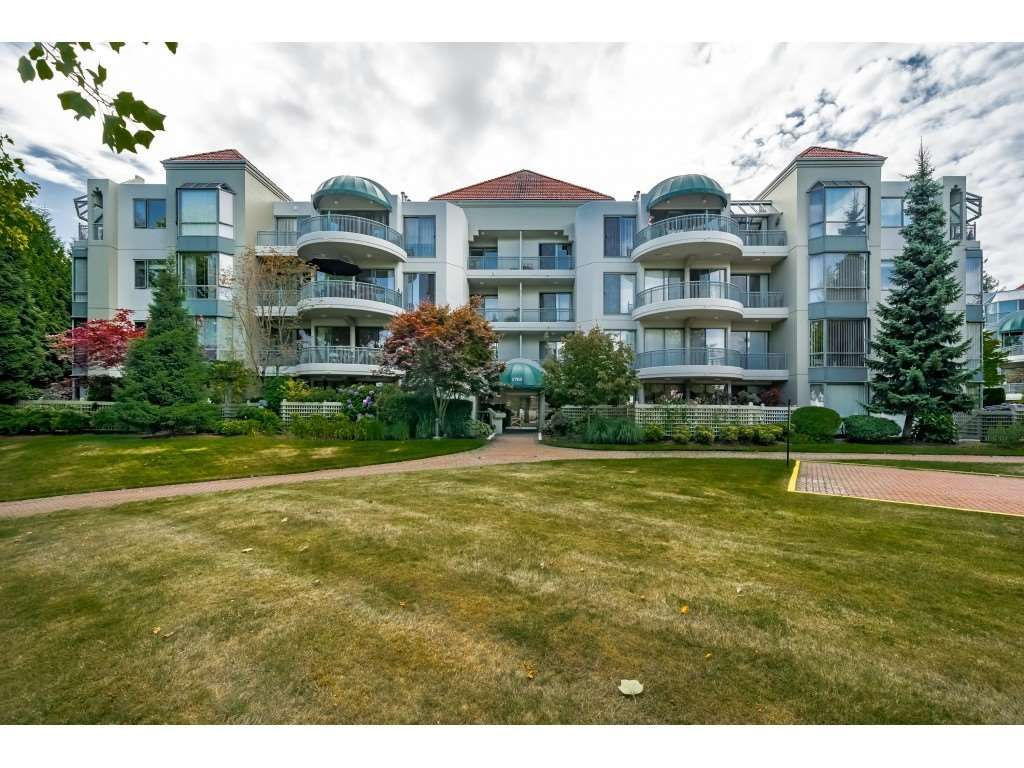 """Main Photo: 201 1705 MARTIN Drive in Surrey: Sunnyside Park Surrey Condo for sale in """"Southwynd"""" (South Surrey White Rock)  : MLS®# R2393853"""
