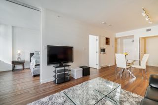 """Photo 9: 413 1661 QUEBEC Street in Vancouver: Mount Pleasant VE Condo for sale in """"Voda"""" (Vancouver East)  : MLS®# R2408095"""