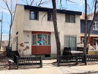 Photo 2: 209 Langside Street in Winnipeg: West Broadway Residential for sale (5A)  : MLS®# 202009154