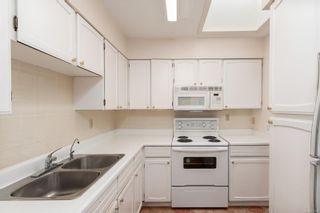 Photo 11: 403 2340 Oak Bay Ave in : OB North Oak Bay Condo for sale (Oak Bay)  : MLS®# 875203