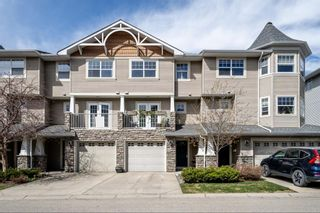 Main Photo: 302 Inglewood Grove SE in Calgary: Inglewood Row/Townhouse for sale : MLS®# A1101328