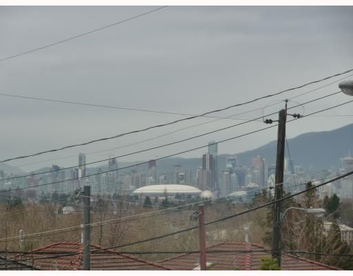 Photo 2: Photos: 2457 BROCK Street in Vancouver: Collingwood VE House for sale (Vancouver East)  : MLS®# V810270