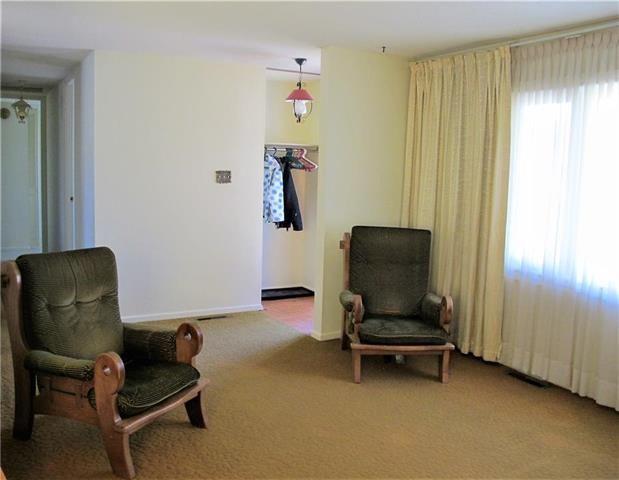 Photo 4: Photos:  in Winnipeg: East Kildonan Residential for sale (3B)  : MLS®# 1909612