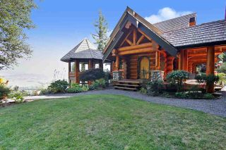 """Photo 2: 8400 GRAND VIEW Drive in Chilliwack: Chilliwack Mountain House for sale in """"Chilliwack Mountain"""" : MLS®# R2483464"""