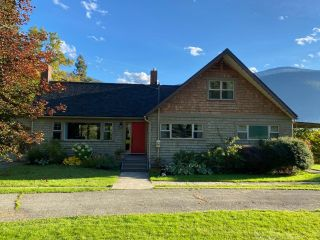 Photo 2: 5930 STAFFORD ROAD in Nelson: House for sale : MLS®# 2461427