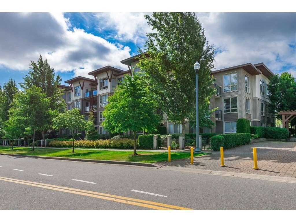 """Main Photo: 109 15988 26 Avenue in Surrey: Grandview Surrey Condo for sale in """"THE MORGAN"""" (South Surrey White Rock)  : MLS®# R2474329"""
