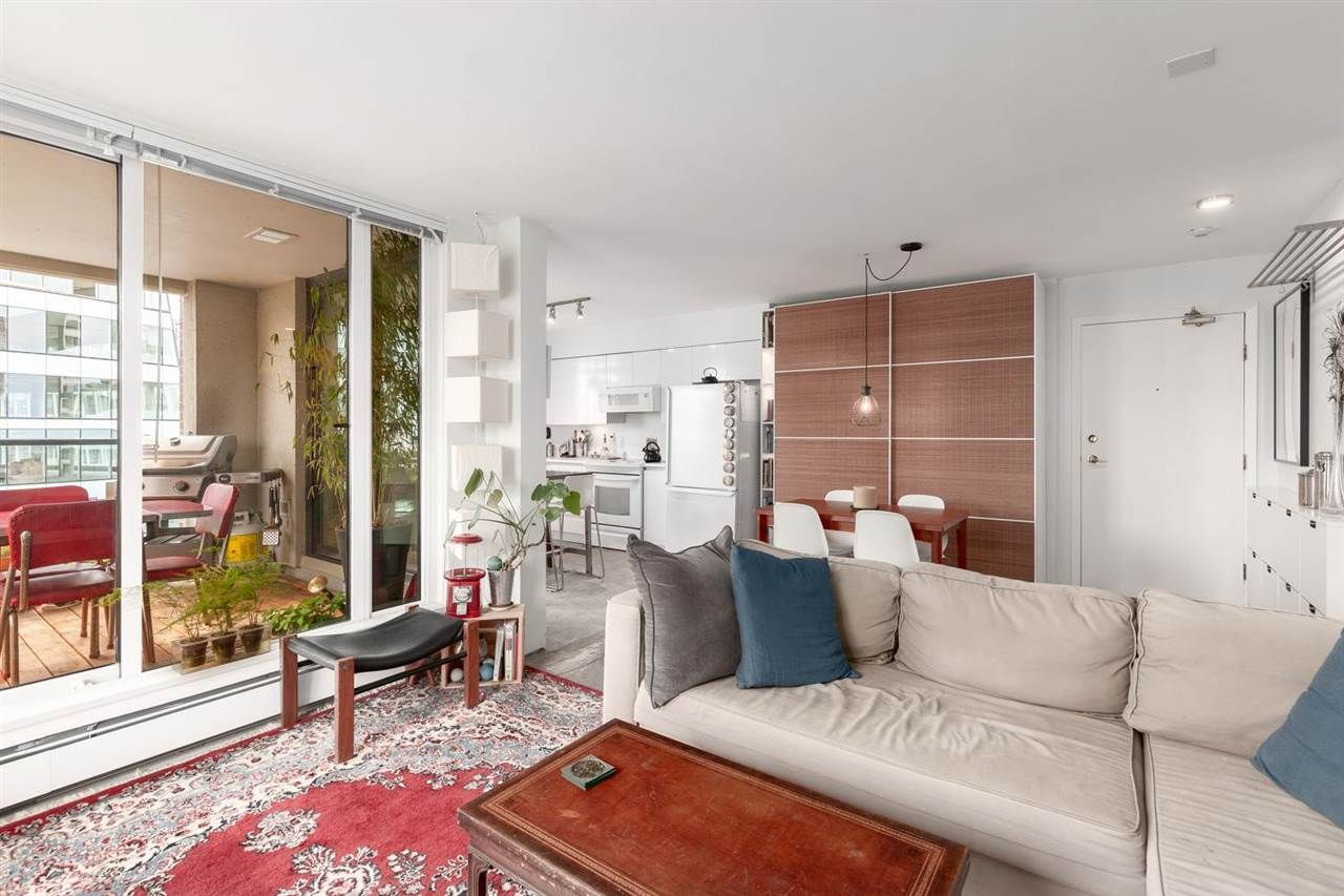 """Main Photo: 1604 1010 BURNABY Street in Vancouver: West End VW Condo for sale in """"THE ELLINGTON"""" (Vancouver West)  : MLS®# R2577467"""