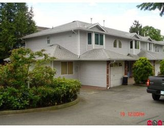 """Photo 8: 104 5921 177B Street in Surrey: Cloverdale BC Townhouse for sale in """"THE GABLES"""" (Cloverdale)  : MLS®# F2904968"""