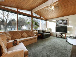 Photo 2: 721 PORTER Rd in VICTORIA: Es Old Esquimalt House for sale (Esquimalt)  : MLS®# 828633