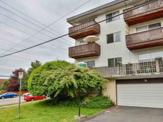 "Photo 5: 103 910 FIFTH Avenue in New Westminster: Uptown NW Condo for sale in ""Grosvenor Court/ Aldercrest Developments Inc."" : MLS®# R2459937"