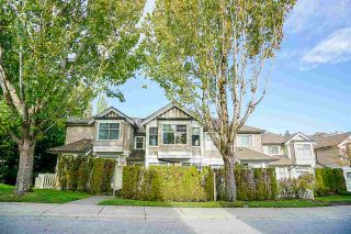"""Photo 1: 6 5950 OAKDALE Road in Burnaby: Oaklands Townhouse for sale in """"Heathercrest"""" (Burnaby South)  : MLS®# R2215399"""