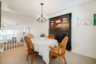 """Photo 3: 5882 169A Street in Surrey: Cloverdale BC House for sale in """"Richardson Ridge, Jersey Hill"""" (Cloverdale)  : MLS®# R2397193"""