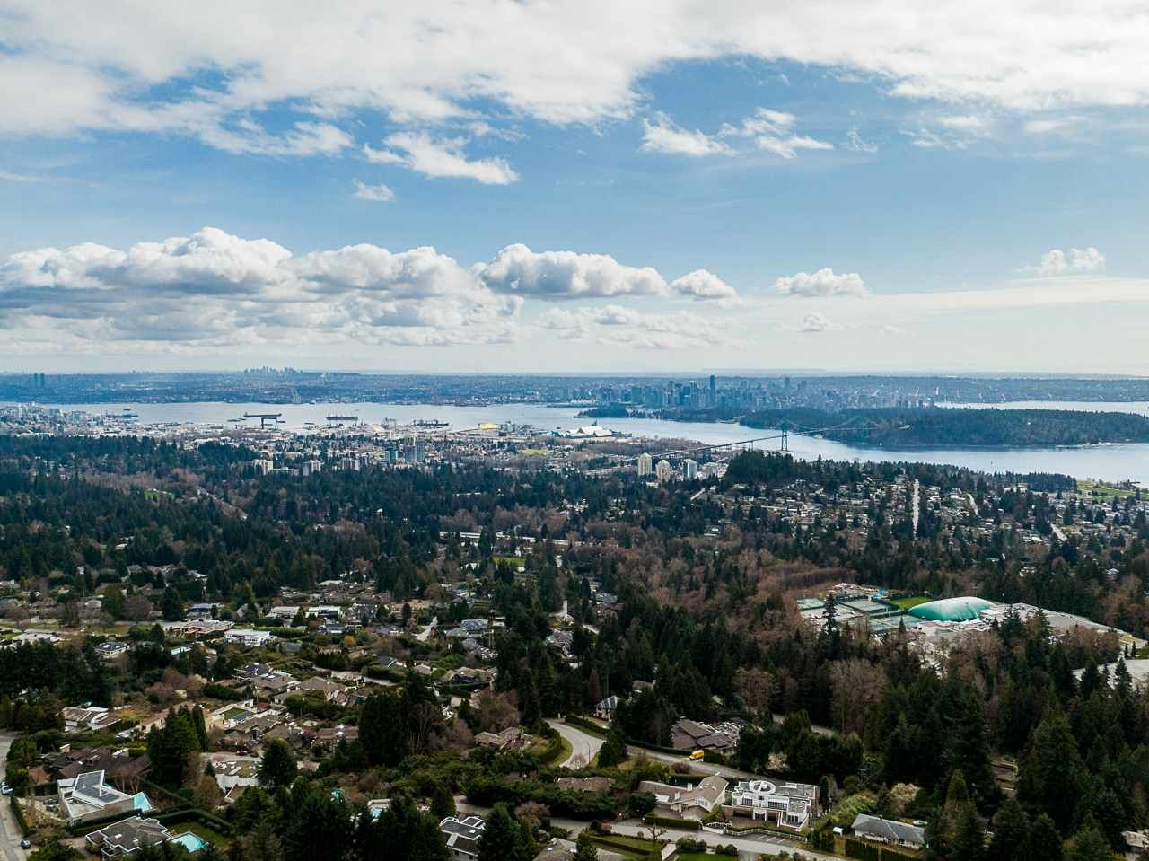 Main Photo: 950 KING GEORGES Way in West Vancouver: British Properties House for sale : MLS®# R2557567
