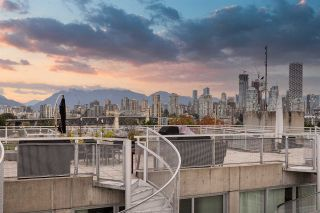 """Photo 24: PH610 1540 W 2ND Avenue in Vancouver: False Creek Condo for sale in """"The Waterfall Building"""" (Vancouver West)  : MLS®# R2580752"""
