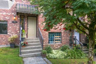 Photo 1: 163 W 20TH Street in North Vancouver: Central Lonsdale Townhouse for sale : MLS®# R2485708