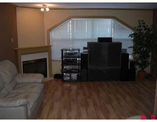 """Photo 2: 110 45504 MCINTOSH Drive in Chilliwack: Chilliwack W Young-Well Condo for sale in """"VISTA VIEW"""" : MLS®# H2802673"""