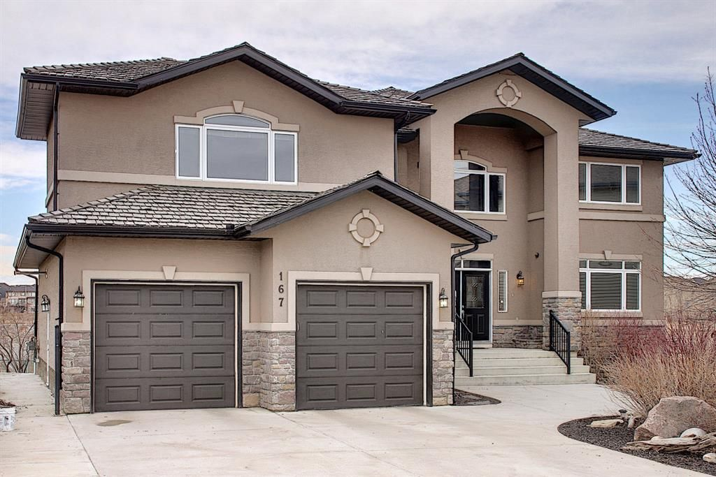 Five bedroom 'Executive Style' property! Fully developed walk out basement!